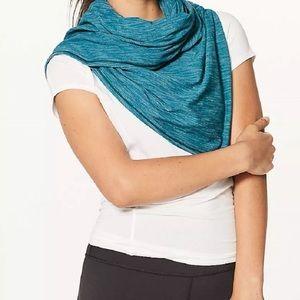 Vinyasa scarf lululemon heathered Tofino Teal